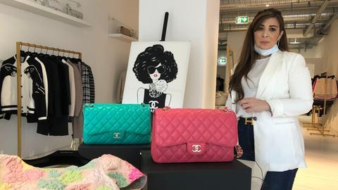 """Laila Habiat in ihrer Boutique """"SuperBrands"""" in Frankfurt"""