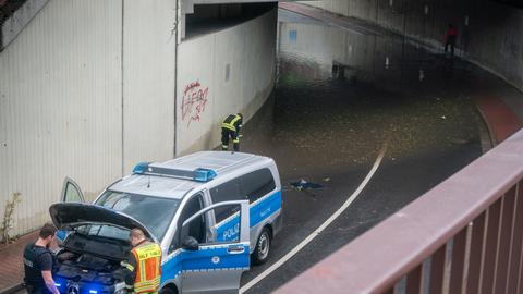 Langen Unterführung Polizei Überflutung