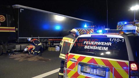 Betrunkener Lkw-Geisterfahrer baut Unfall