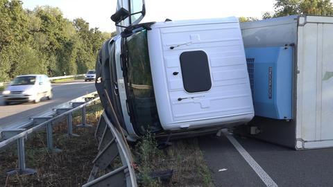 Verunglückter Lkw auf der A5 bei Heppenheim