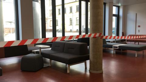 Closure of the lounge area in the Marburg University Library