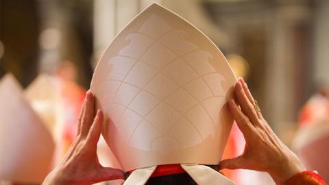 Mitra Bischof Kardinal Vatikan