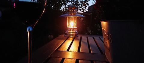 """""""Abendimpressionen aus Trebur - so lässt sich der heiße Sommerabend aushalten"""", schreibt uns hessenschau.de-Nutzer Armin Melchior zu seinem Foto. Haben Sie auch ein außergewöhnliches Bild aus Hessen? Dann schicken Sie uns Ihr Foto – wir freuen uns über Ihre Momentaufnahme."""
