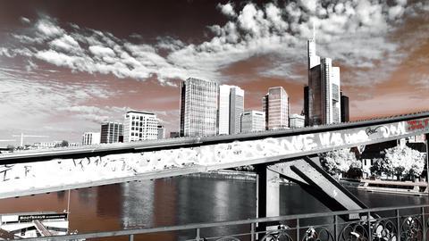 Den Blick auf die Frankfurter Skyline vom Eisernen Steg aus hat hessenschau.de-Nutzer Peter Fischer aus Rüsselsheim mit seiner Kamera festgehalten.