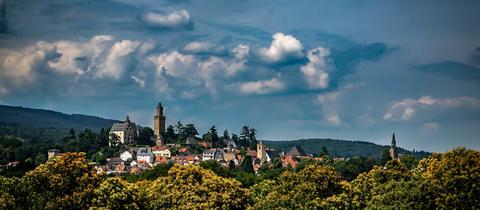 Die Burg Kronberg aus Richtung Mammolshain fotografiert. Das Bild schickte uns hessenschau.de-Nutzer Christoph Molderings. Haben Sie auch ein außergewöhnliches Bild aus Hessen? Dann schicken Sie uns Ihr Foto – wir freuen uns über Ihre Momentaufnahme.