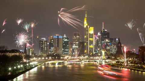 Feuerwerk über Skyline