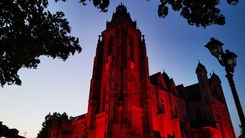 Wetzlar Dom in Rotlicht