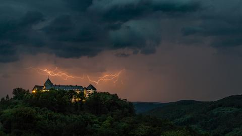 Momentaufnahme - Schloss Waldeck - Gewitter - Blitz