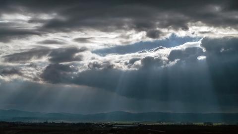 Der Himmel reißt auf - Die Aufnahme entstand in Groß-Umstadt.