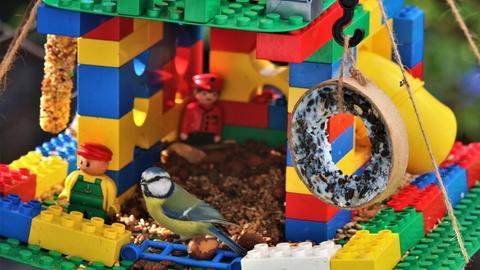 Vogelhaus aus Legosteinen