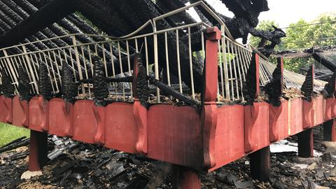 Vom Morgentau-Pavillon ist nur noch eine Brand-Ruine übrig.