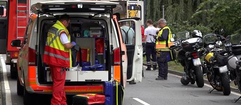 Helper at the site of the accident near Bensheim