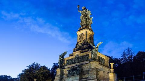 Das Niederwalddenkmal mit der Statue der Germania