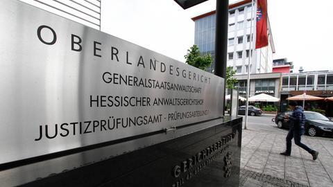 Das Oberlandesgericht in Frankfurt von außen.