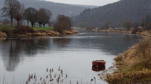 Fluss mit Boot