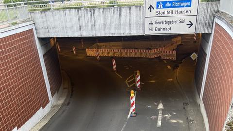 Tunneleingang mit Baustelle