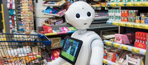 Roboter Pepper beim Einkaufen