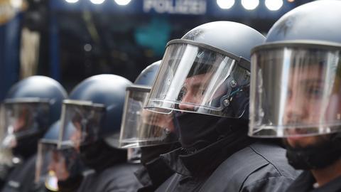 Polizeiformation im Einsatz