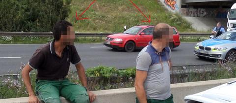 Diese beiden Männer suchte die Polizei wegen unterlassener Hilfeleistung.
