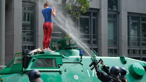 Auch hessische Polizisten bei G20-Einsatz verletzt