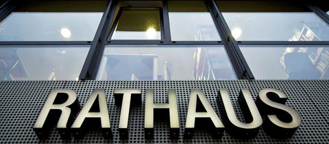 Eschborn Rathaus Schild Mathias Geiger