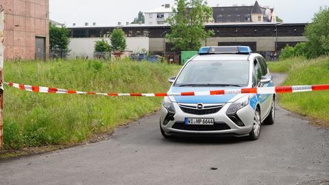 Razzia in einer Lagerhalle in Kassel