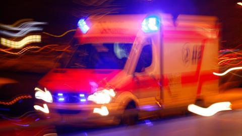 Sujet Rettungsdienst Rettungswagen Fahrt Nacht