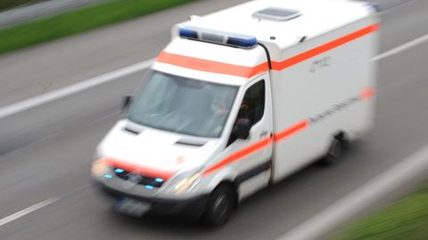 Tödlicher Unfall auf A66: 64-Jähriger stirbt noch am Unfallort