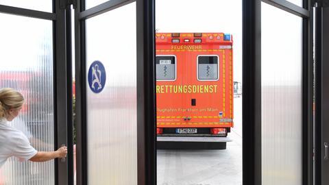 Rettungswagen der Feuerwehr am Frankfurter Flughafen