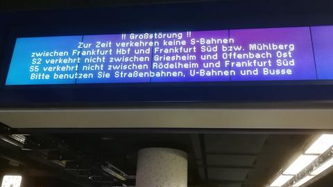 Im S-Bahn-Verkehr kommt es zu Behinderungen.