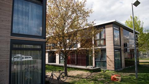 Sammelunterkunft für Flüchtlinge am Alten Flugplatz in Frankfurt-Bonames