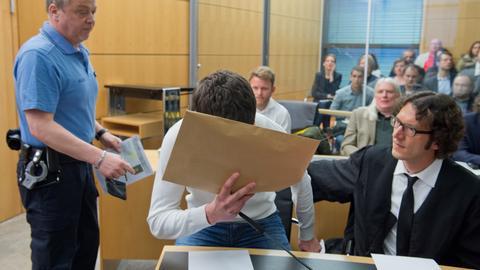 Sanel M. im Darmstädter Landgericht