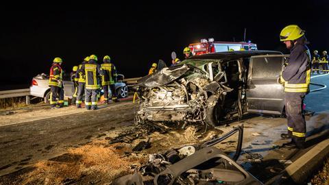 Zwei Autos stießen auf der B260 bei Schlangenbad zusammen.