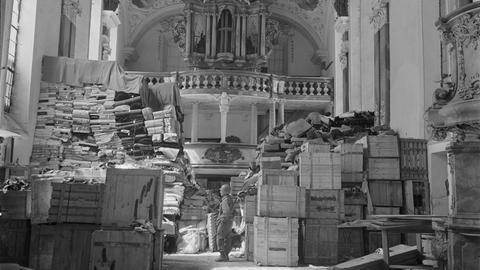 Schlusskirche Ellingen, April 1945