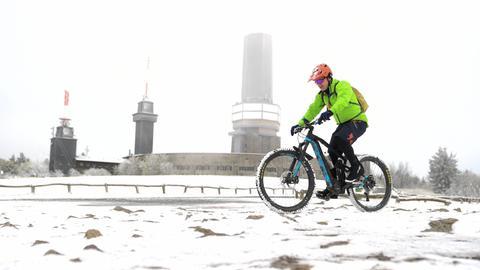 Radfahrer auf dem Großen Feldberg