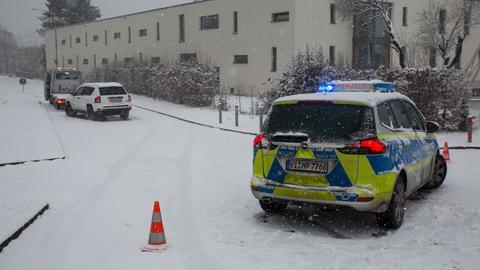 Die Polizei am Donnerstag in Wiesbaden im Einsatz.