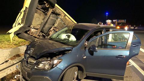 Zwei Unfallwagen auf A5