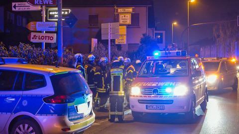 Großeinsatz von Rettungskräften in einer Shisha-Bar in Hofheim