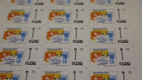 Sonderbriefmarke mit Hessentagslogo für Rüsselsheimer OB