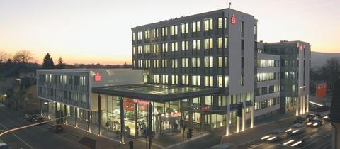 bankmitarbeiter soll 4 millionen euro veruntreut haben panorama. Black Bedroom Furniture Sets. Home Design Ideas
