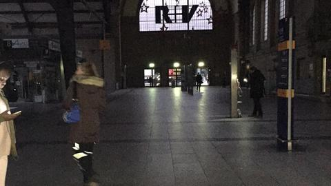 Stromausfall im Wiesbadener Hauptbahnhof