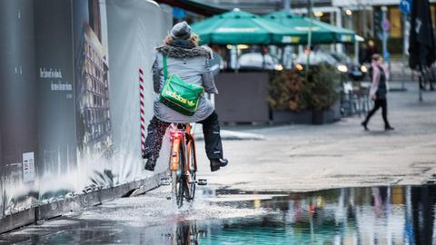 Sturm Frankfurt Regen Pfütze Straßen