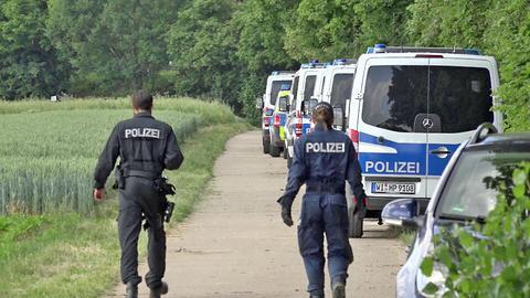 Ein Großaufgebot der Polizei bei der Suche in Erbenheim