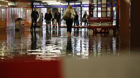 Überschwemmung Südbahnhof Frankfurt