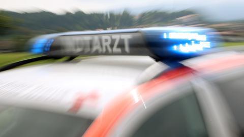Tödlicher Unfall an Bahnübergang - Mädchen stirbt in Hessen