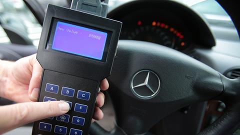 Tacho-Manipulation an einem Mercedes