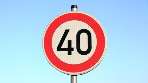 Straßenschild Tempo 40