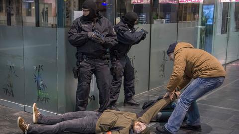 Anti-Terror-Übung im Hauptbahnhof Frankfurt