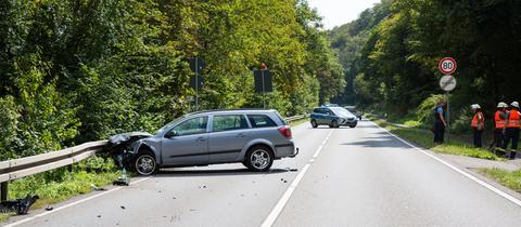 Ein 53-Jähriger starb bei einem Motorradunfall auf der B260.