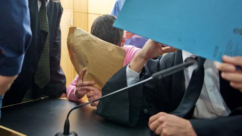 Sanel M. am Dienstag vor dem Darmstädter Landgericht